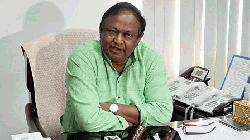 কেউ অতিরিক্ত কেনাকাটা করবেন না: বাণিজ্যমন্ত্রী