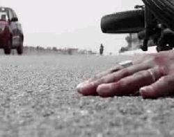 নরসিংদী ঈদগাহ মাঠে গাড়িচাপায় এক নারী নিহত, আহত ১