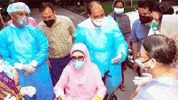 খালেদার উপসর্গ 'একটুখানি জ্বর', ডায়াবেটিস নিয়ন্ত্রণে