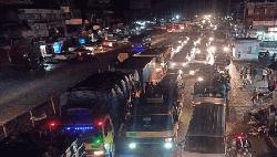ঢাকা-টাঙ্গাইল মহাসড়কে ৩৫ কিলোমিটার যানজট