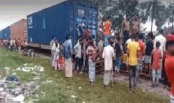 টঙ্গীতে বগি লাইনচ্যুত, ঢাকা-চট্টগ্রাম রেল যোগাযোগ বন্ধ