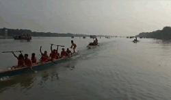চাঁপাইনবাবগঞ্জের নসিপুরে নৌকা বাইচ অনুষ্ঠিত